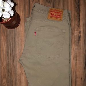 Levi 513 Slim Straight Khaki Jeans